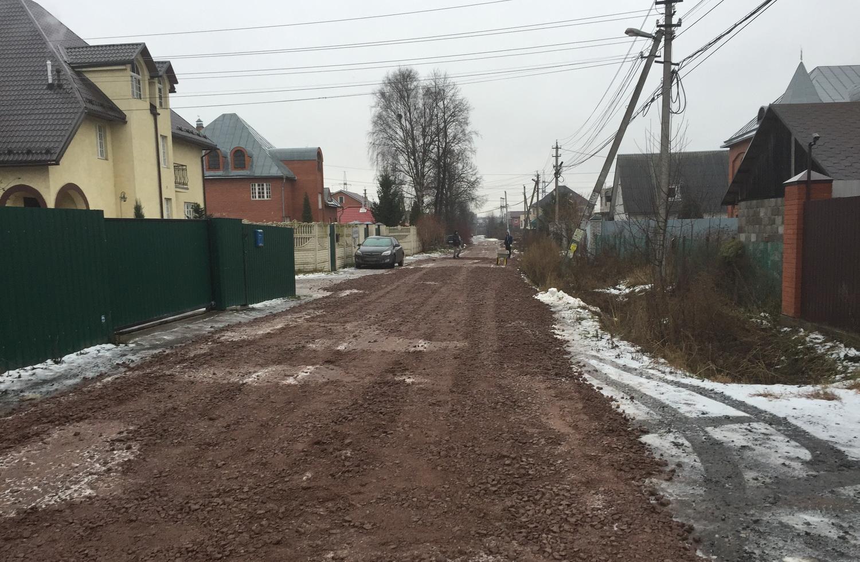 Ремонт дороги в поселке Свердлова